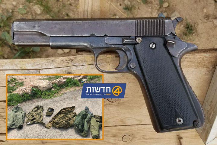 الإحتلال يزعم أنه اعتقل فتاتين متنكرتين بزي قواته وبحوزتهما مسدس