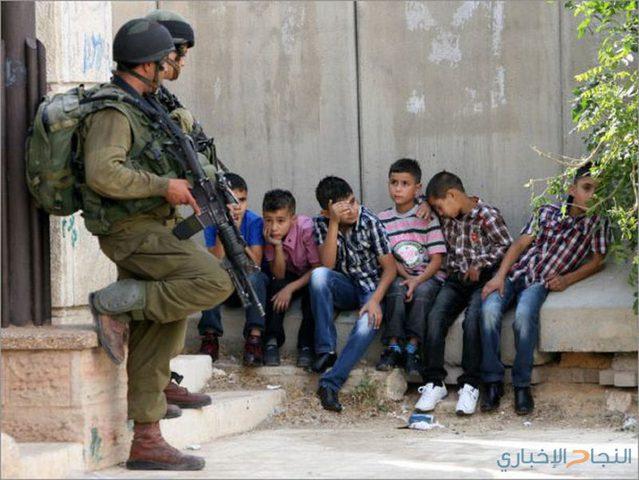 الاحتلال يفرض الحبس المنزلي على طفل من القدس