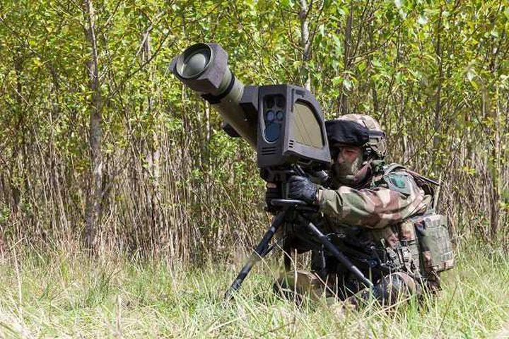 لاتفيا تشتري صواريخ مضادة للدروع من إسرائيل