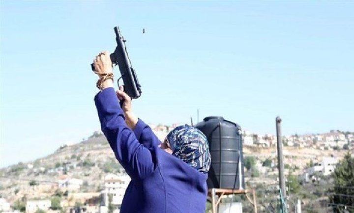 الاحتلال يمدد اعتقال شماسنة وابنتها