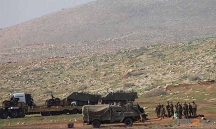 قوات الاحتلال تصور منشآت مواطنين بالأغوار