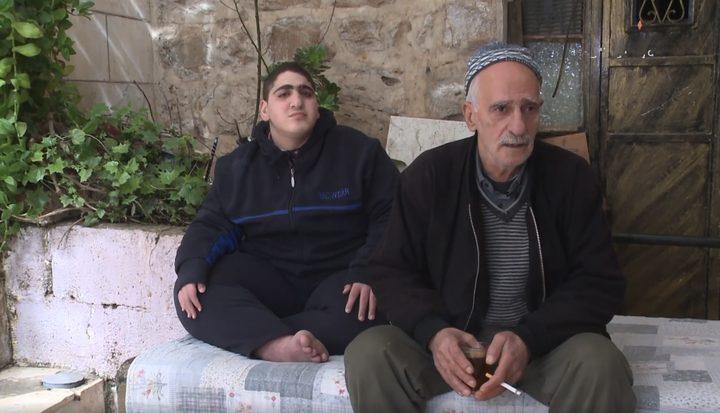 بالفيديو.. قطع وزارة التنمية المخصصات عن أسرة  مواطن من ذوي الاحتياجات الخاصة