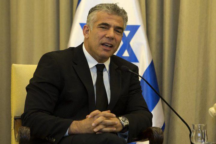 """وزراء في حزب """"الليكود"""" يهاجمون لبيد لشهادته ضد نتنياهو"""