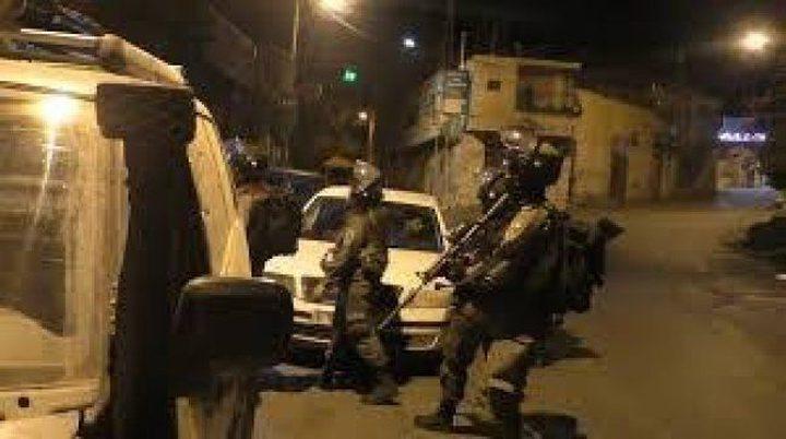 الاحتلال يشرع بنقل حاجز عسكري شمال غرب بيت لحم