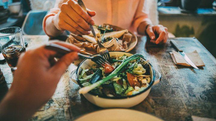 لماذا يجب تناول الطعام ببطئ؟