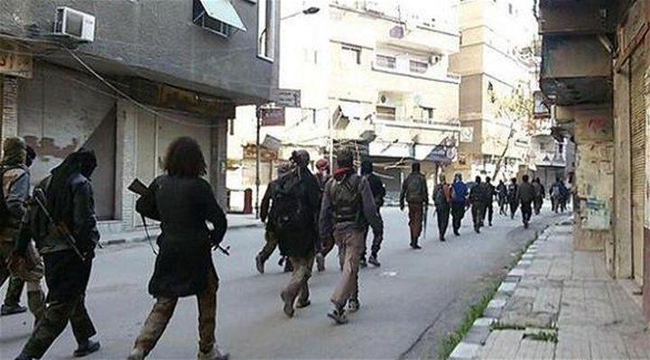 """""""داعش"""" يزعم أنه سيطر على شارع حيفا في مخيم اليرموك"""