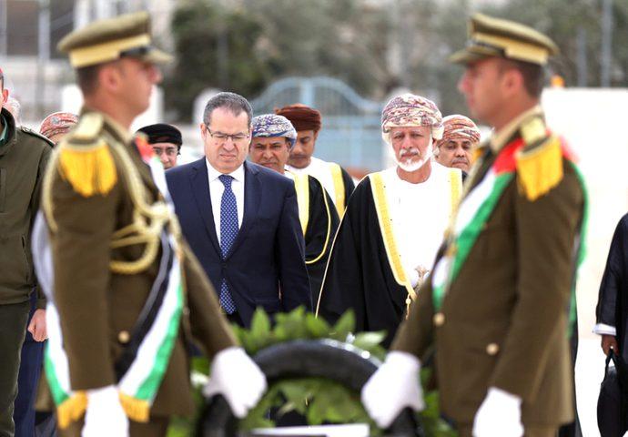 """وزير الخارجية العماني يختتم زيارته لفلسطين بالصلاة بـ""""الأقصى"""""""