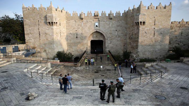 """الاحتلال ينصب برج مراقبة على مدخل باب العامود """"صور"""""""