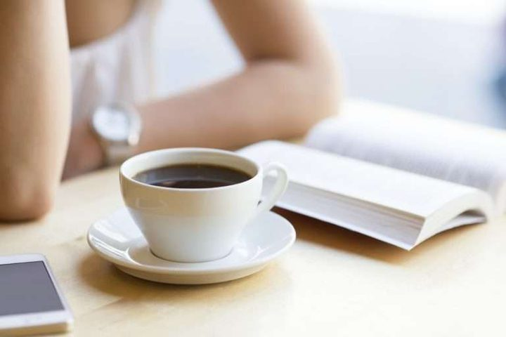 ما العلاقة بين شرب القهوة وزيادة الوزن؟
