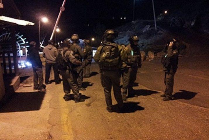 قوات الاحتلال تغلق مدخل بيتا جنوب نابلس