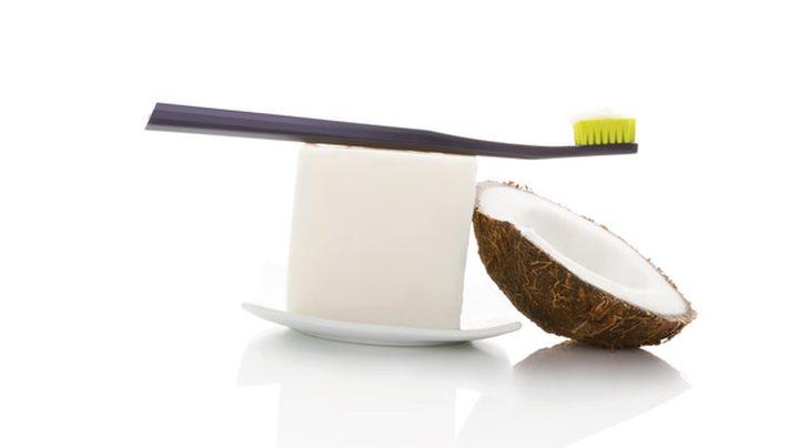 هذا هو البديل الطبيعي لمعجون الأسنان