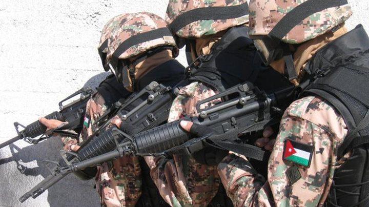 الجيش الأردني يحبط خطة لتهريب الأسلحة والمخدرات