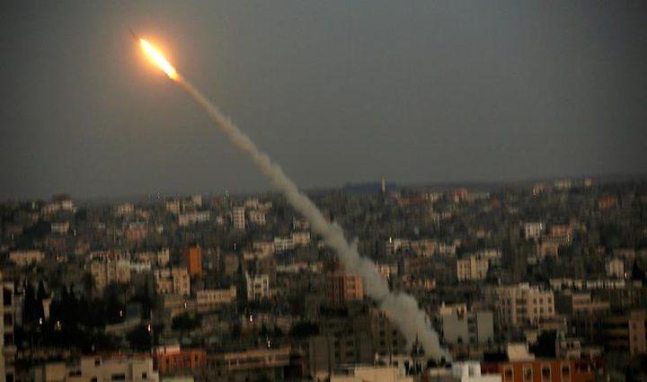 الاحتلال يزعم: إطلاق صواريخ من غزة وصافرات الإنذار تدوي في المستوطنات