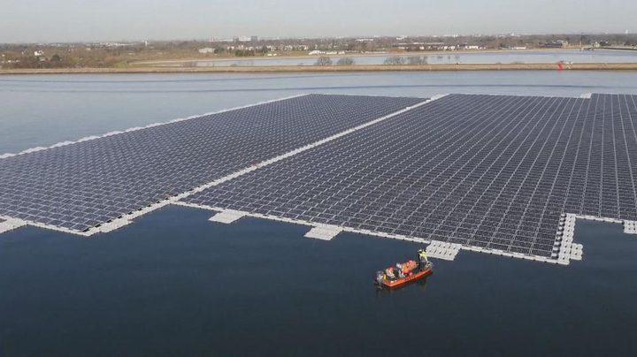 أكبر محطة عائمة للطاقة الشمسية