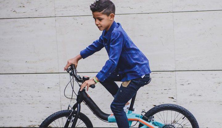 ابن كرستيانو رونالدو يدخل عالم الأزياء