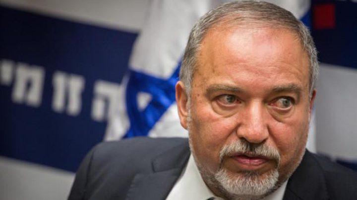 ليبرمان يتوعد باغتيال المسؤولين عن تفجير غزة