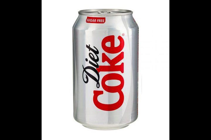"""""""دايت كوكا كولا"""" في مشكلة !"""