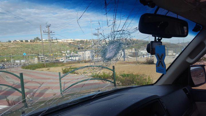 مستوطنون يهاجمون الناشط الحقوقي زكريا السدة(صور)