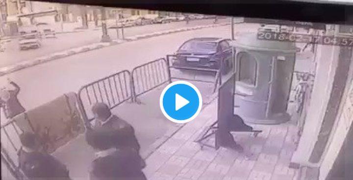 شاهد بالفيديو كيف أنقذ شرطي طفل سقط من الطابق الخامس