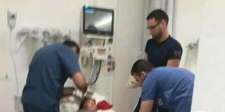 إصابة طفل بقنبلة غاز في دير نظام