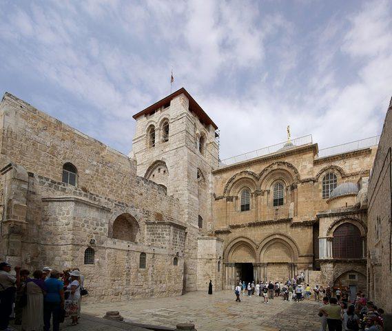 اللجنة الرئاسية العليا تدعم موقف رؤساء الكنائس