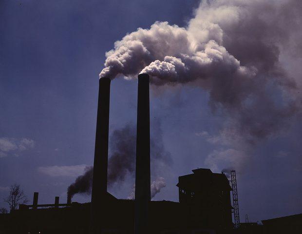 غيمة سوداء تقود مهندسا لحل مشكلة التلوث