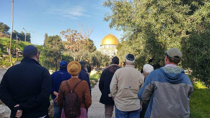 مجموعات المستوطنين تقتحم المسجد الأقصى
