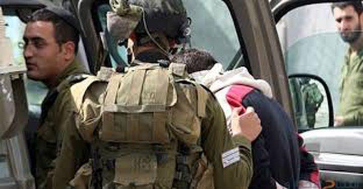 الاحتلال يعتقل مواطناً في يطا