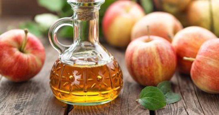 مشروب خل التفاح بالعسل لعلاج السعال والتهاب الحلق