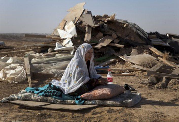 الاحتلال يخطر بإخلاء 16 عائلة شرق طوباس