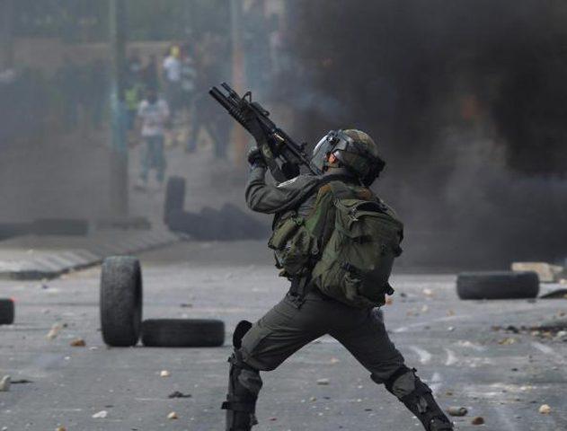 إصابة عشرات المواطنين في مواجهات مع الاحتلال في العيزرية
