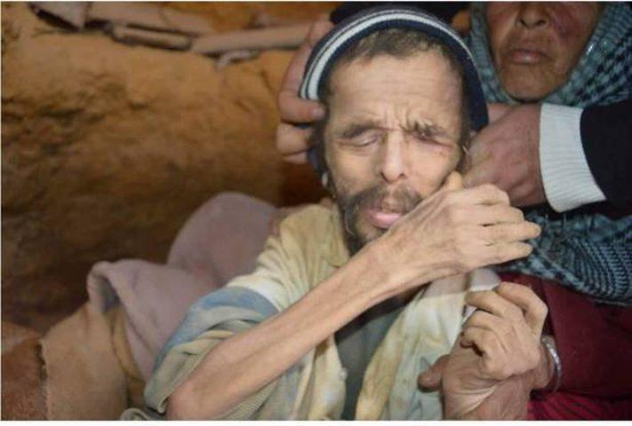صورة على الإنترنت تنقذ صاحبها من حفرة بعد 15 عام !