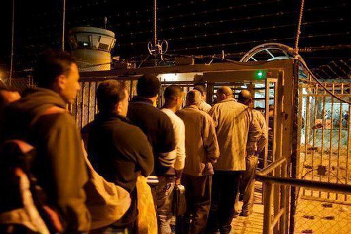 الاحتلال يُجمّد تصاريح عمل أقارب منفذ عملية الدهس في جنين