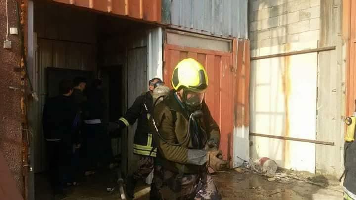 إندلاع حريق بمعرض للمفروشات شرق نابلس(صور،فيديو)