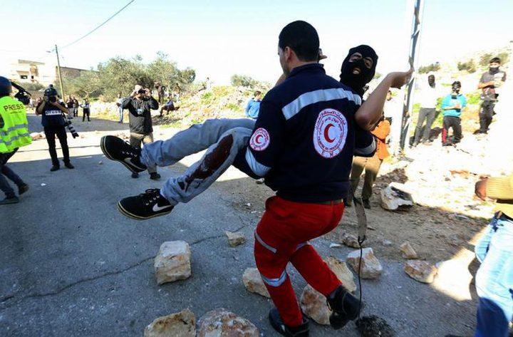 100 إصابة بالغاز والمطاط في مواجهات مع قوات الاحتلال في نابلس