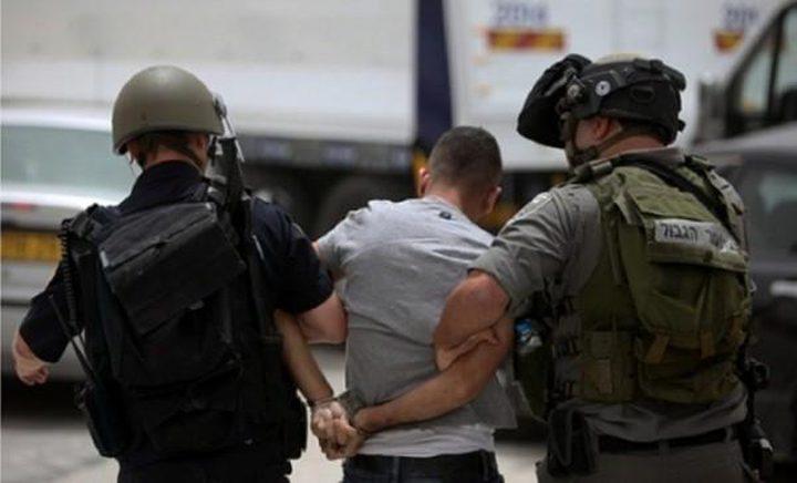 اعتقال مواطن واستدعاء اسيرين محررين