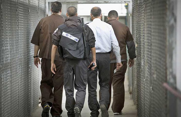 لليوم الـ32...المعتقلون الإداريون يواصلون مقاطعتهم لمحاكم الاحتلال