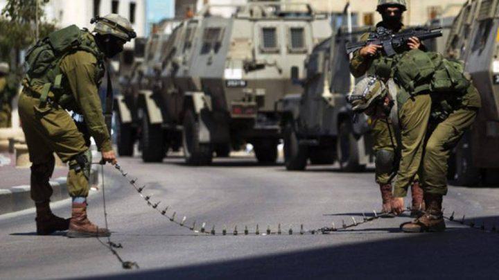 الاحتلال يغلق مدخل قرية اللبن الشرقية