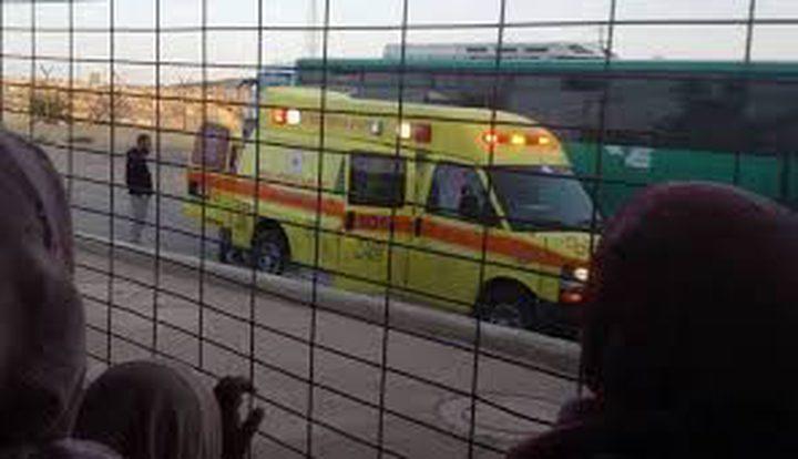 """قوات الاحتلال تمنع أهالي الأسرى من مغادرة سجن """"نفحة"""""""