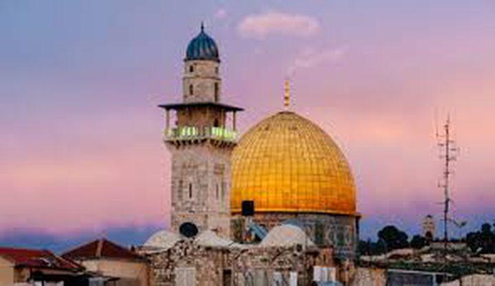 الإعلام: اعتبار مستوطني محيط القدس جزءًا من سكانها يعد خرقا لقرارات مجلس الأمن