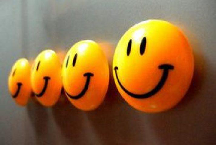 العالم يحتفل بيوم السعادة.. تعرف على قصته