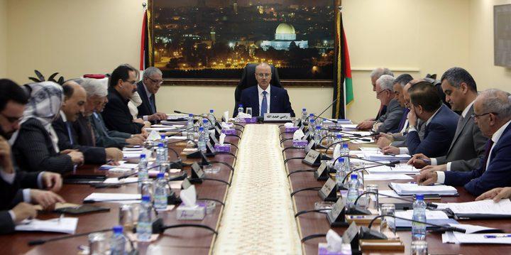مجلس الوزراء يطالب حركة حماس بتسليم قطاع غزة دفعة واحدة لتمكين الحكومة