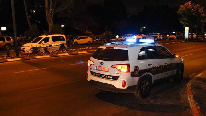 تضرر مركبة لشرطة الإحتلال اثر رشقها بالحجارة في القدس