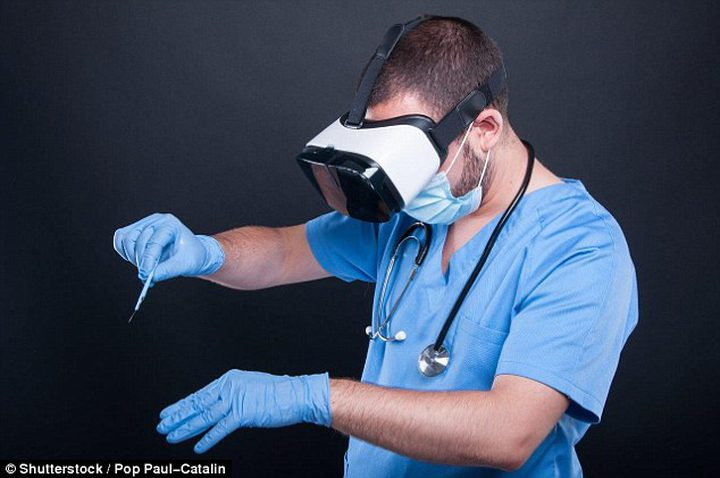 هل تستطيع نظارات الواقع الافتراضي مساعدة الأطباء في إنقاذ حياة المرضى؟