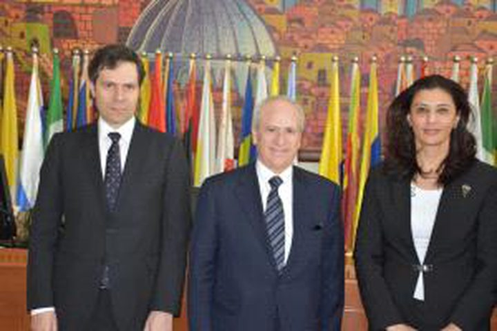 وزارة الخارجية تدعو اليونان للاعتراف بالدولة الفلسطينية
