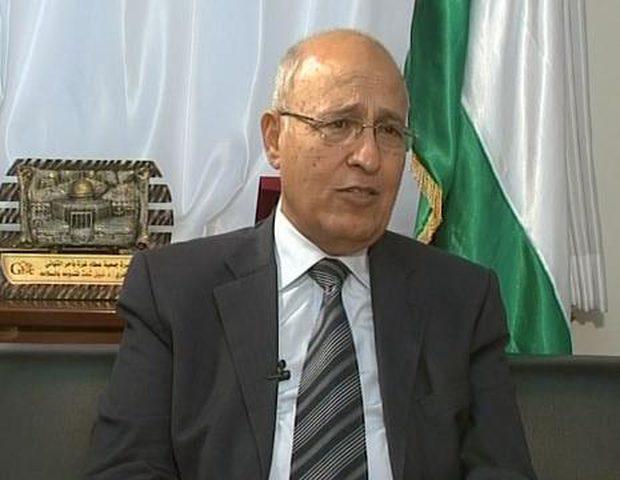 شعث يطلع بغدانوف على التطورات السياسية