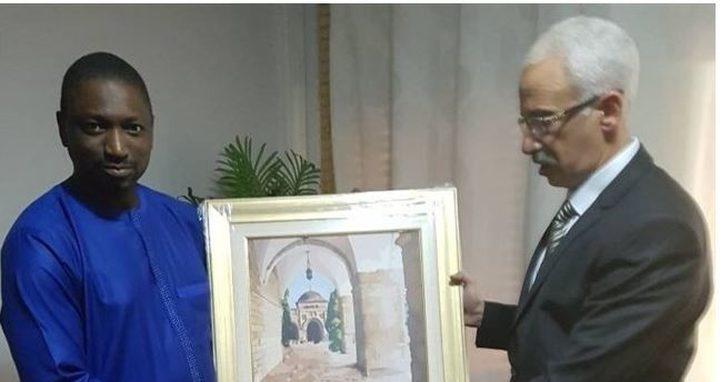 السفير أبو بكر يبحث مع وزيرين غينيين تعزيز التعاون المشترك