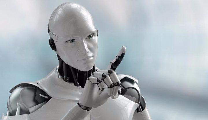 روبوت يتفاعل مع البشر في عام 2021!