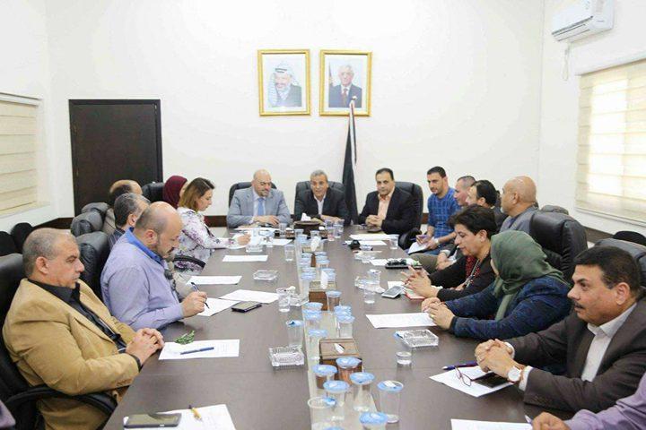 وزارة العمل ومحافظة قلقيلية تبحثان آفاق التعاون المشترك