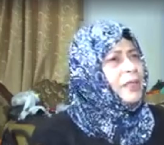 الرئيس يمنح السيدة باسمة سامحنا لقب الأم المثالية للعام 2018